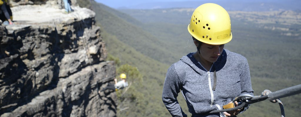 Blue Mountains half-day abseiling adventure
