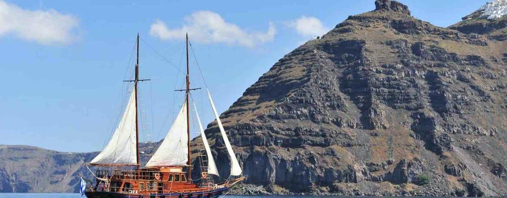 Cruise of the volcanic islands around Santorini