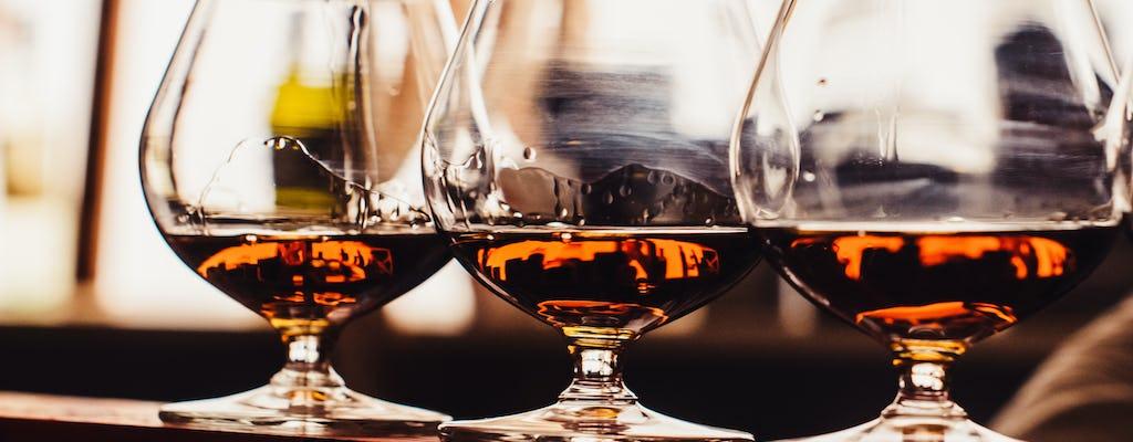Tour privato della distilleria di cognac e della cantina di Bordeaux da Cognac