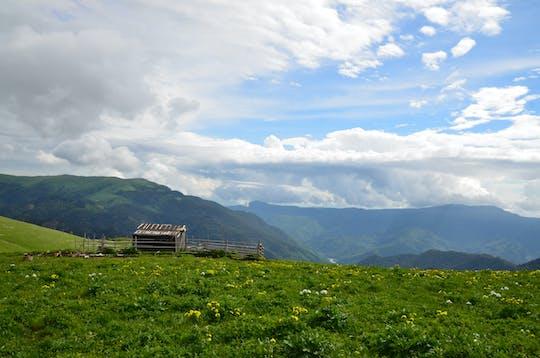 Excursão privada à área do resort Lagonaki Plateau saindo de Krasnodar