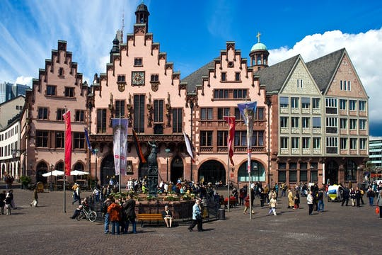 Frankfurt Old Town wonders exploration game and tour