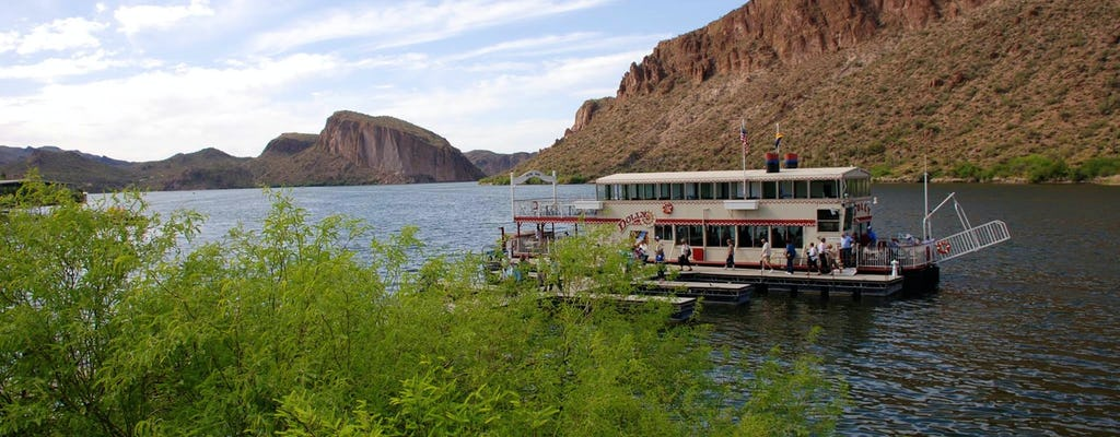 Privétour door Apache Trail, Goldfield Ghost Town, Dolly Steamboat & Tortilla Flat