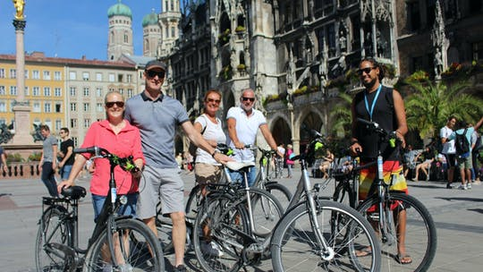Munich city tour by bike
