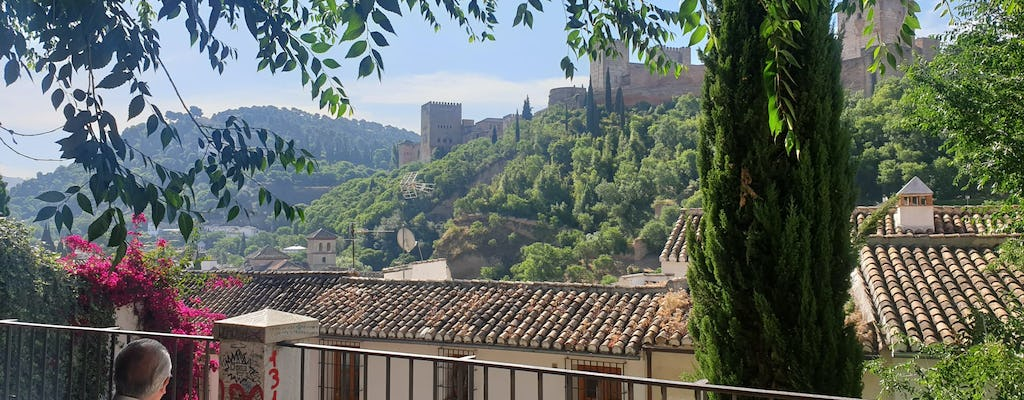 Walking tour of Granada and its perfumes
