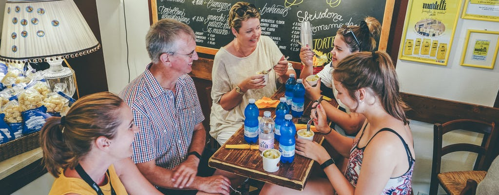 Comida y cata de vinos de Verona con recorrido a pie.