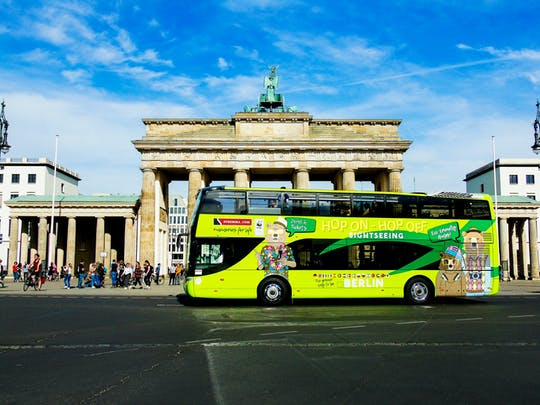 Hop-on hop-off sightseeing bus on 2 routes for 24 or 48-hours in Berlin