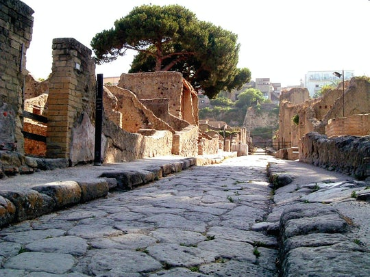 Ancient Herculaneum Tour