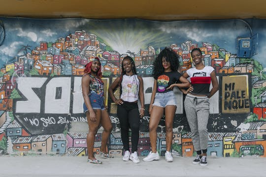 Turnê afro na Comuna de Medellín 13