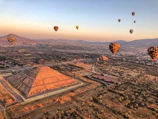 Teotihuacan Pyramiden geführte Exkursion und Fahrt mit dem Heißluftballon