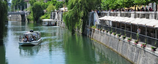 Sights of Ljubljana tour with boat cruise