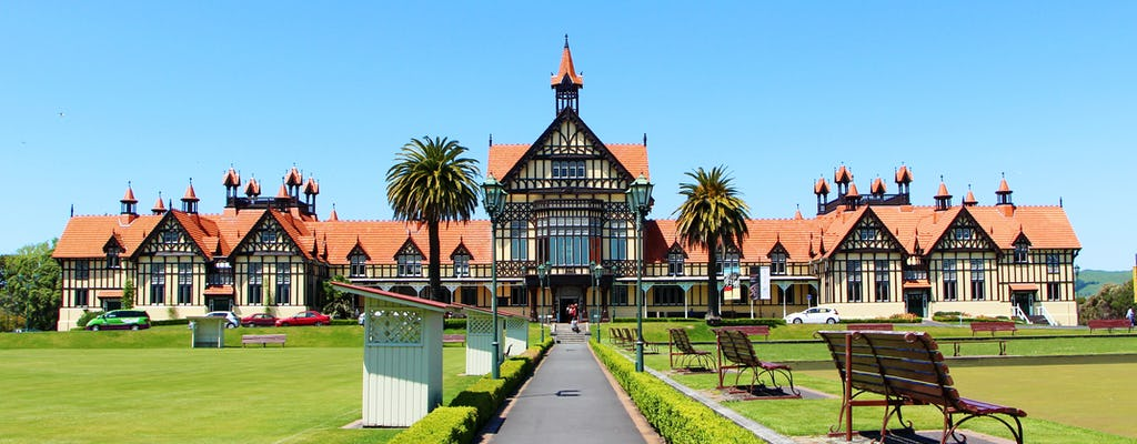 Waitomo Caves und Rotorua einschließlich Te Puia - Kleingruppentour ab Auckland
