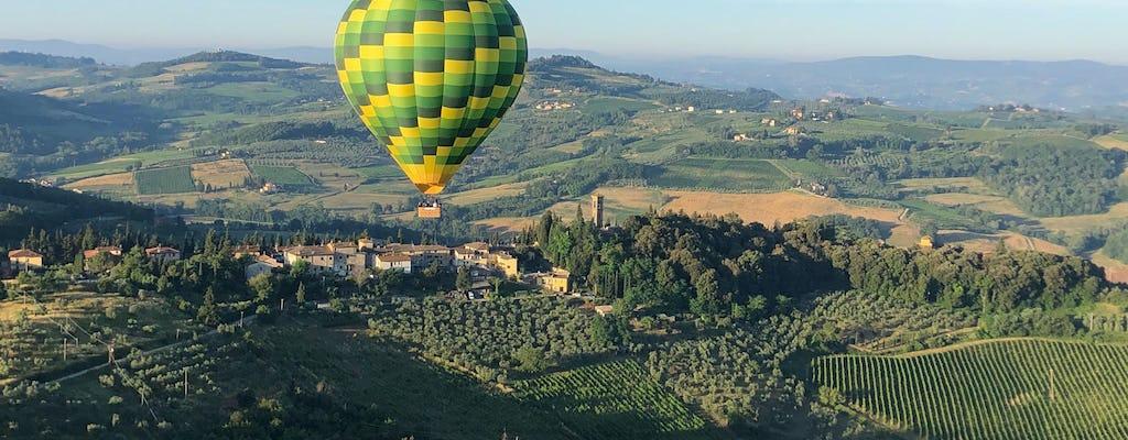 Giro in mongolfiera sopra le colline del Chianti in Toscana