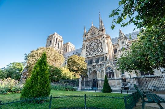 La isla de Notre Dame con Sainte Chapelle y la prisión de María Antonieta