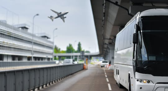 Bus transfer between Malpensa airport and Milan city center