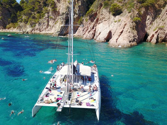 Catamaran cruise for groups  in Costa Brava