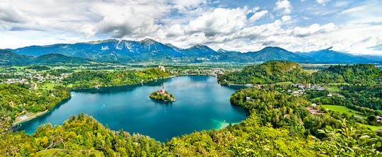 Full-day private tour of Lake Bled and Lake Bohinj