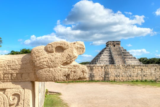 Chichén Itzá, Saamal Cenote and Valladolid tour