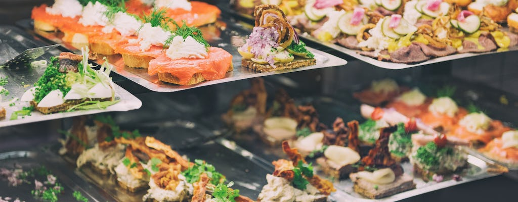 Copenhagen private walking tour with local food tasting