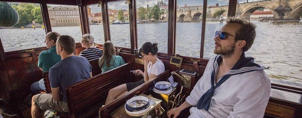 Prager Burg- und Moldau-Bootstour