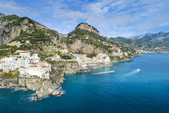 Passeio de barco privado pela costa de Amalfi saindo de Salerno