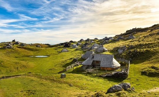 Viagem de um dia para Kamnik e Velika Planina saindo da costa da Eslovênia
