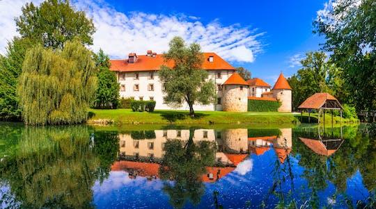 Земля Hayrack и музей под открытым небом из словенского побережья