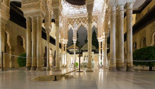 Visita noturna aos Palácios Nasridas