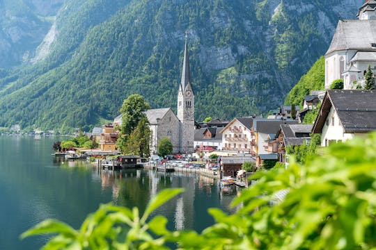 Private full-day tour to Lake District, Hallstatt and Bad Ischl from Salzburg