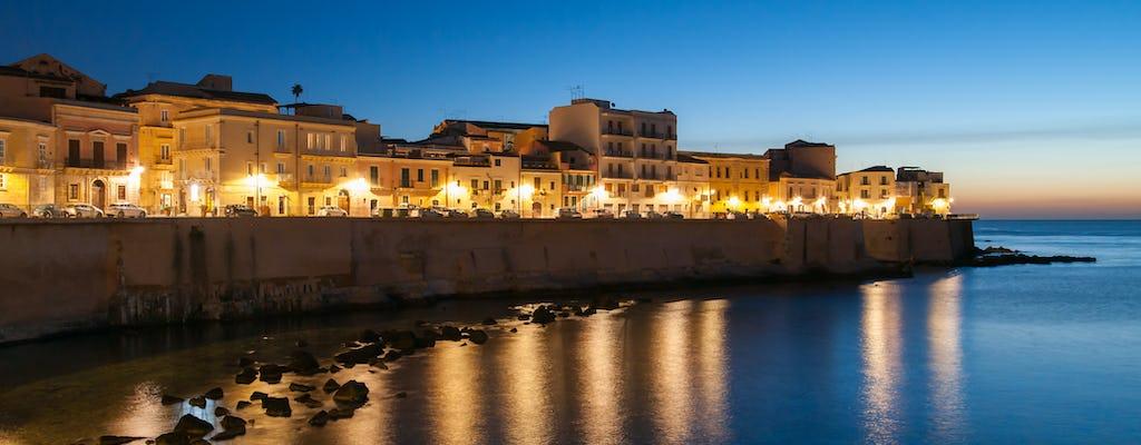 Excursion en bateau à Ortigia de nuit avec apéritif