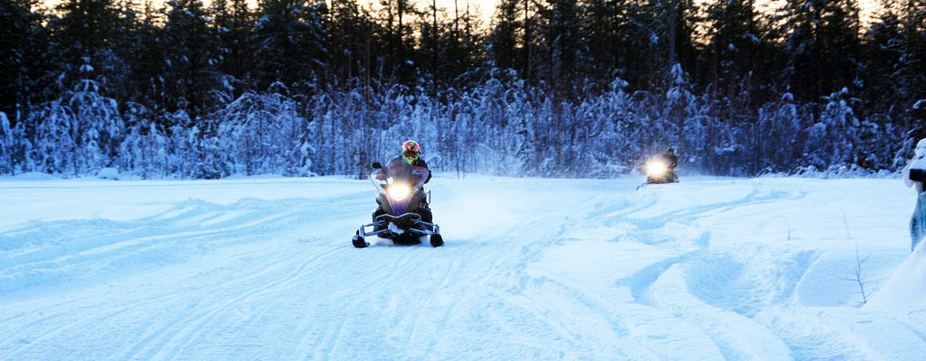 Safari in motoslitta al circolo polare artico