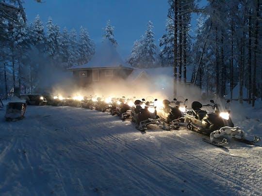 Wieczorne safari na skuterach śnieżnych w Rovaniemi