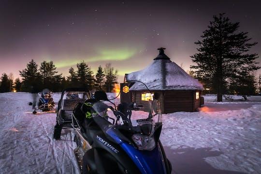 Aurora Borealis safári de motoneve e churrasco