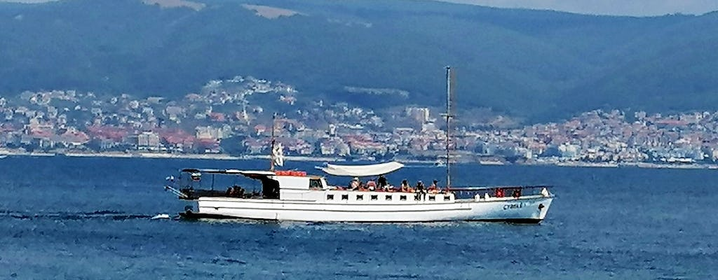 4-hour boat trip with fishing, lunch and unlimited drinks in Nessebar