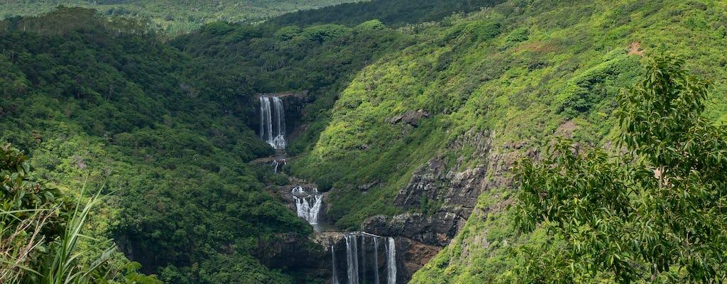Caminhada nas Cataratas do Tamarind nas Maurícias