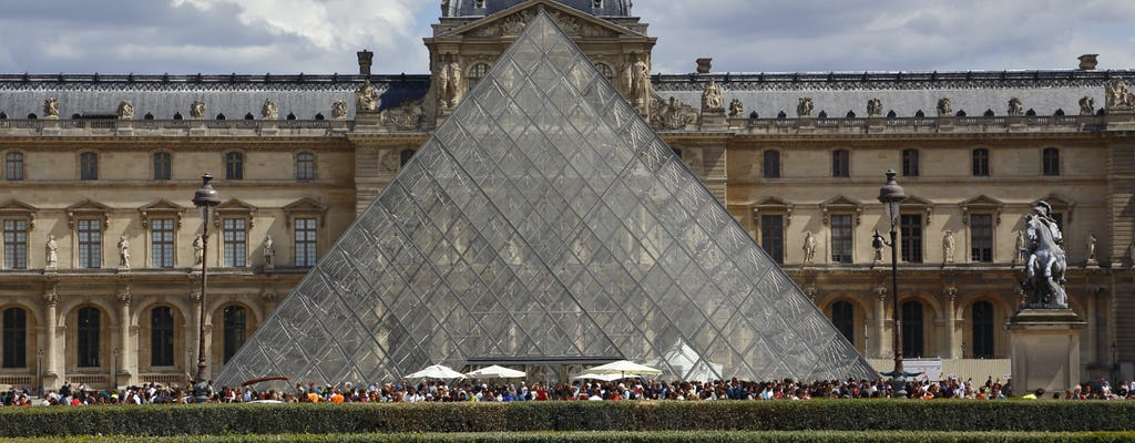 Guided Eiffel Tower, Louvre Museum and River Cruise tour