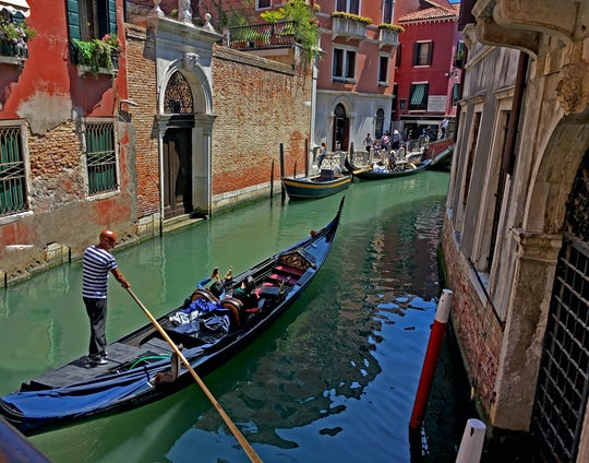 Gondola ride and romantic dinner