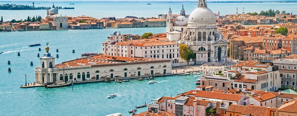 Itineraries to live Venice and its islands
