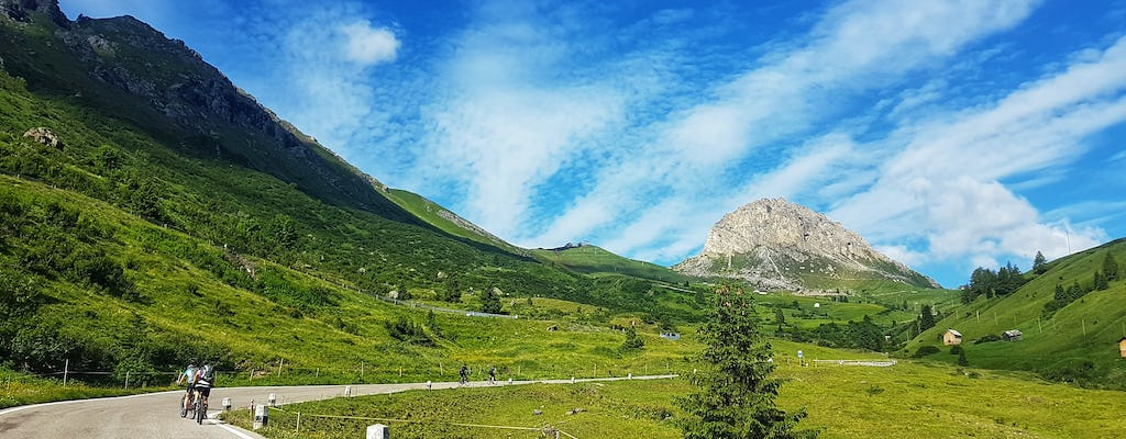 Cycling tour among the Dolomites from Calalzo to Cortina
