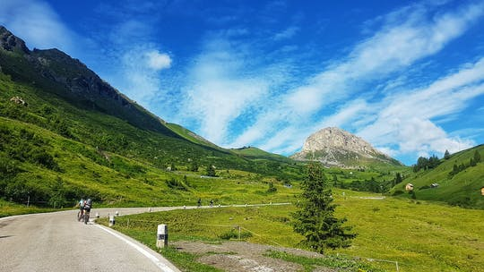 Tour à vélo parmi les Dolomites de Calalzo à Cortina