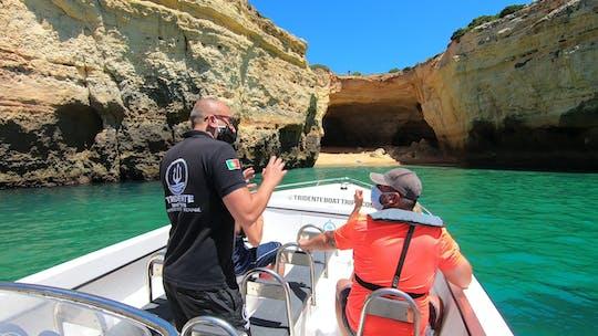 Passeio de barco particular às cavernas de Benagil