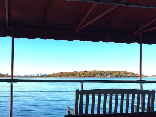 Северное сияние яхт-гавань Бостона круиз