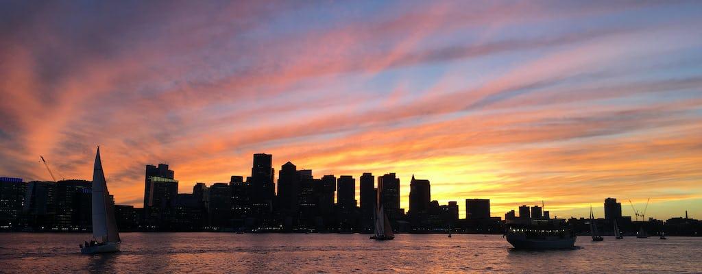 Cruise bij zonsondergang met een noorderlichtjacht in Boston