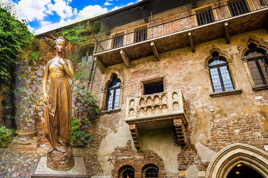Romeo and Juliet walking tour of Verona