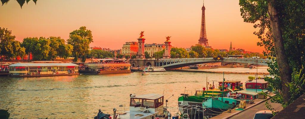 Romantic dinner-cruise on the Seine river