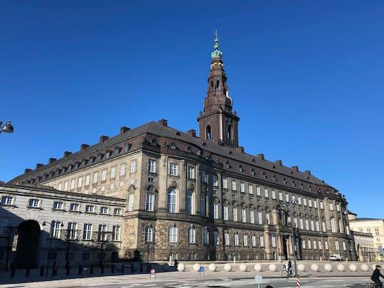 Tour privado de Copenhague y el palacio de Christiansborg en coche