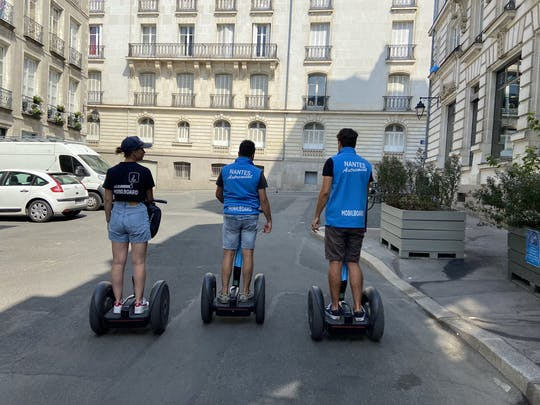 "Self-balancing scooter tour of ""the perfect getaway"" of Nantes"