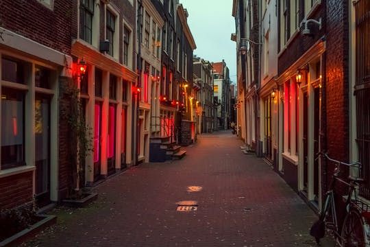 Private Amsterdam Red Light District and food tour