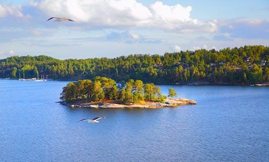 Sailing around Stockholms archipelago