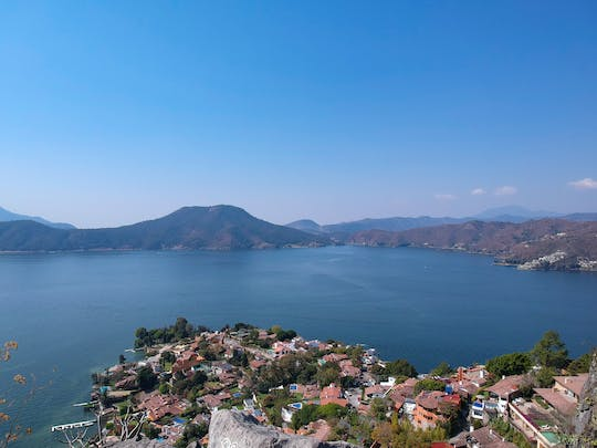 Valle de Bravo water skiing private tour