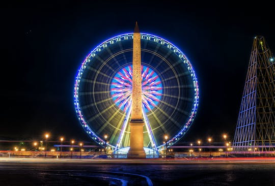 Private photography tour through Paris, the city of lights